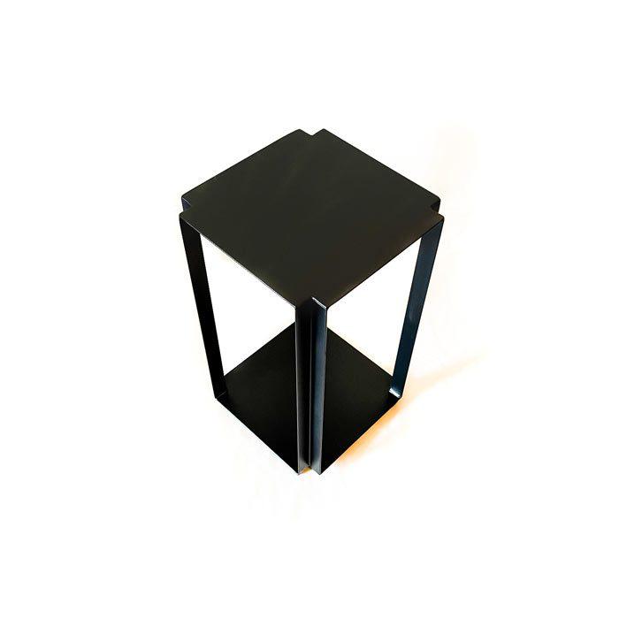 שולחן קפה גאומטרי בצבעי שחור, לבן וזהב - שולחן צד ממתכת
